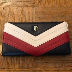 Tommy Hilfiger women's wallet